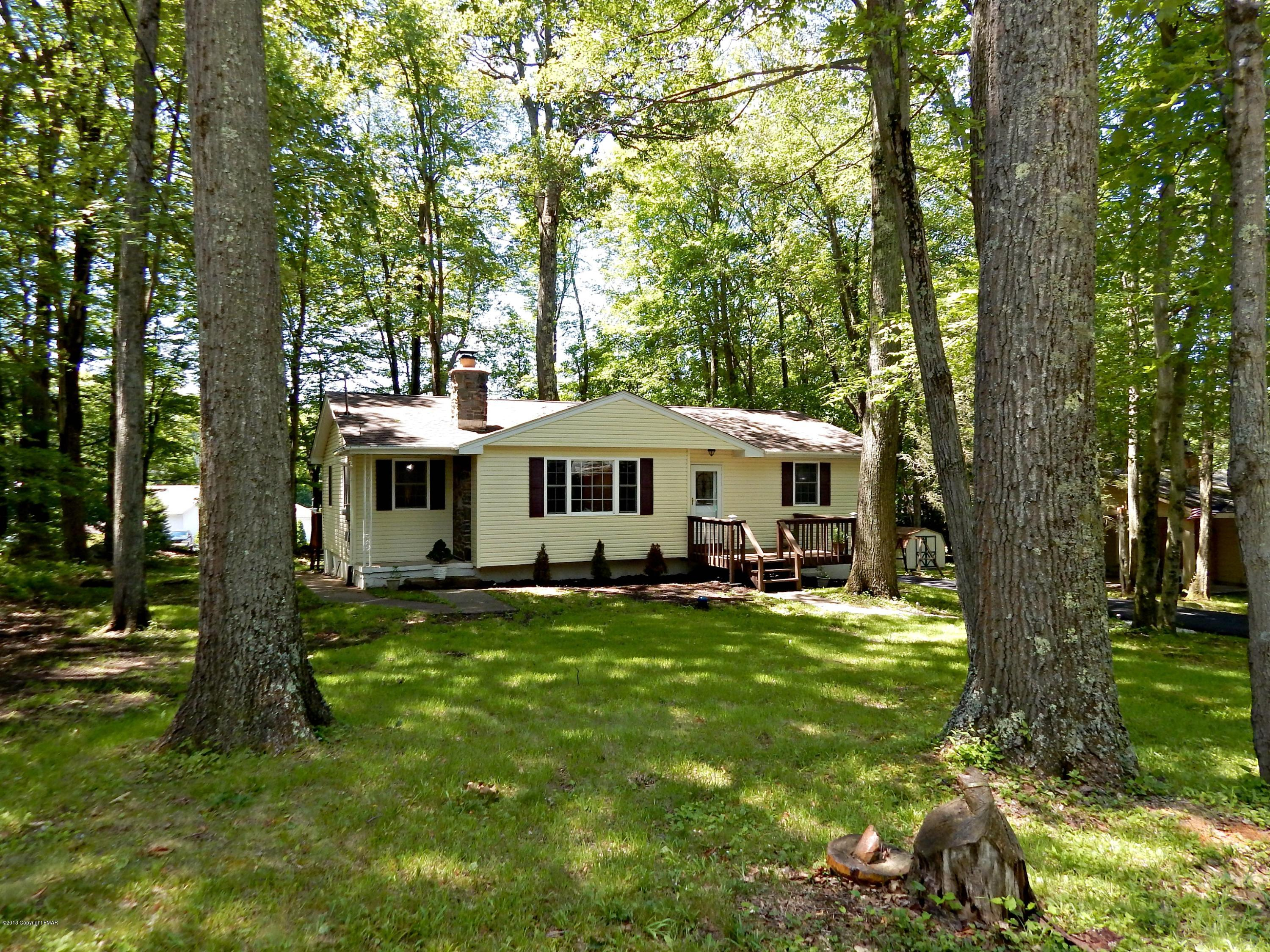1758 Lake Ln, Pocono Lake, PA 18347