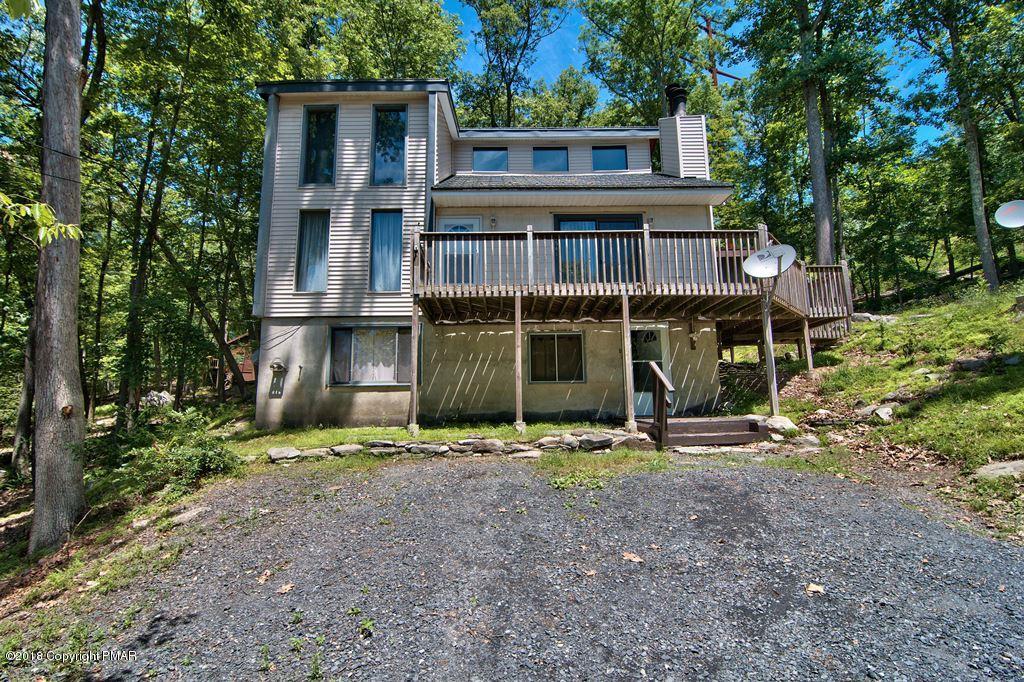 1541 Mansfield Ct., Bushkill, PA 18324
