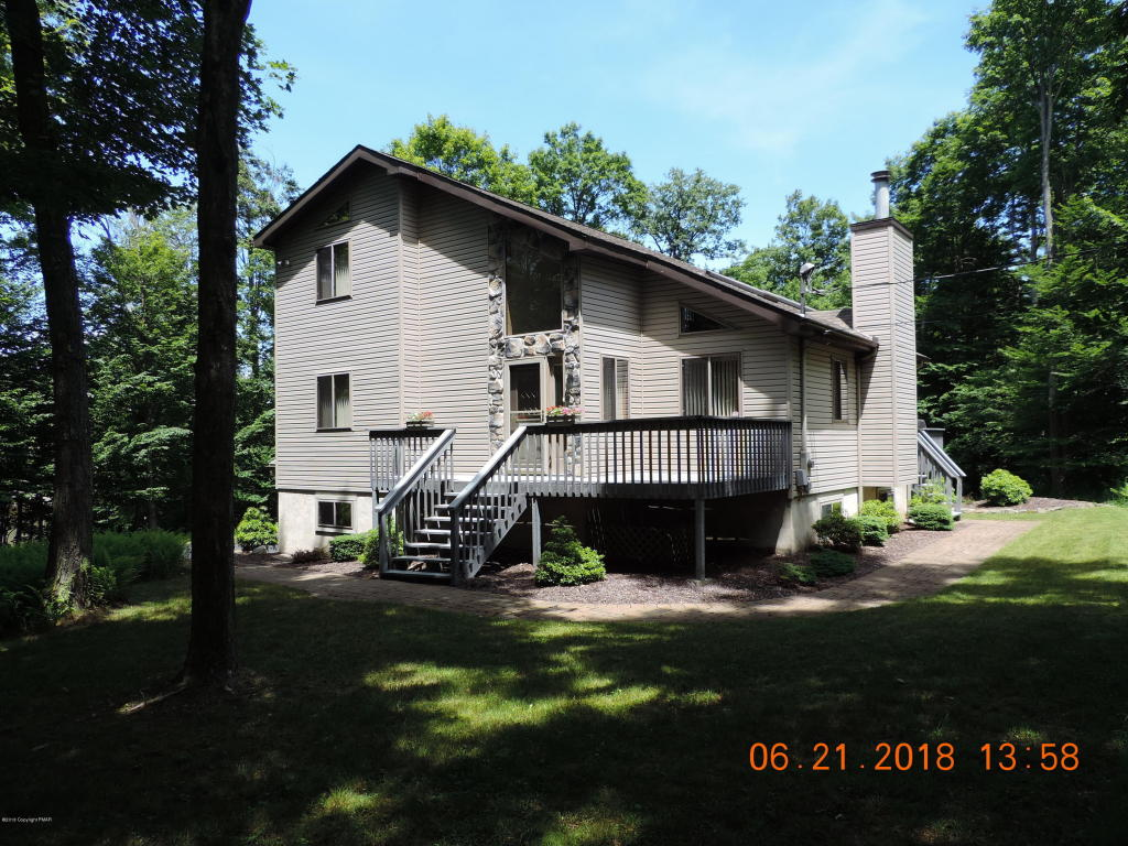 24 Conservancy Ct, Gouldsboro, PA 18424