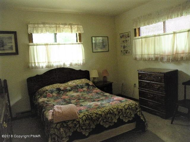 333 Selig Rd, Pocono Lake, PA 18347