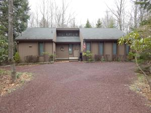 315 Long View Lane E, Pocono Pines, PA 18350