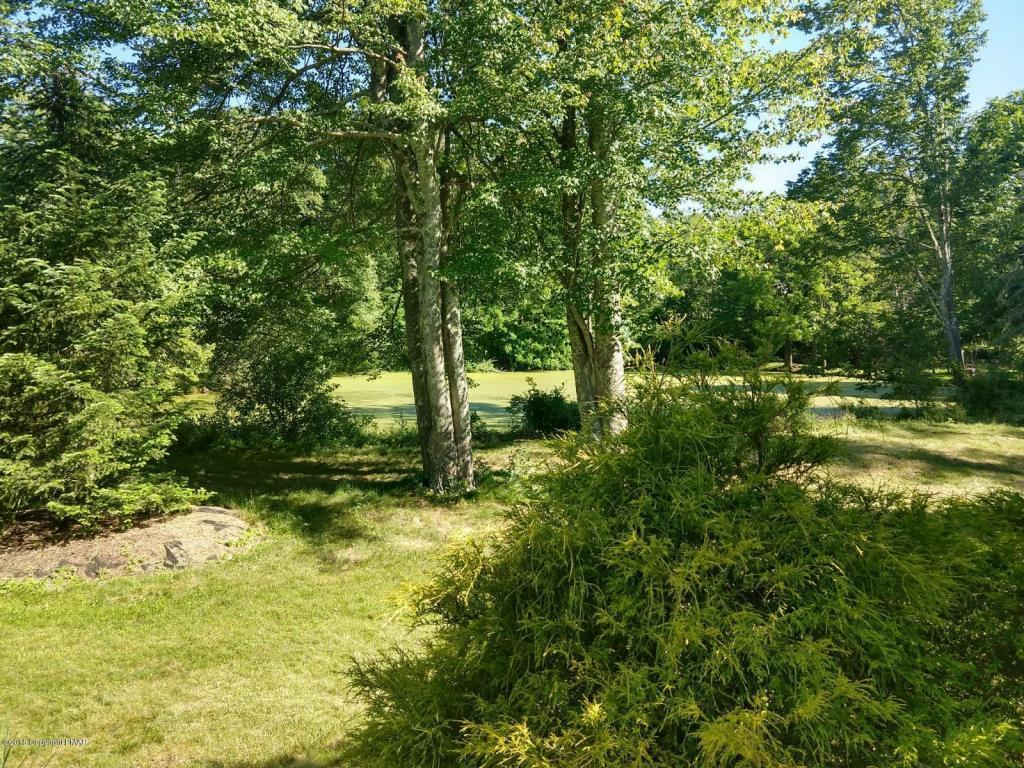 146 Rising Meadow Way, East Stroudsburg, PA 18302
