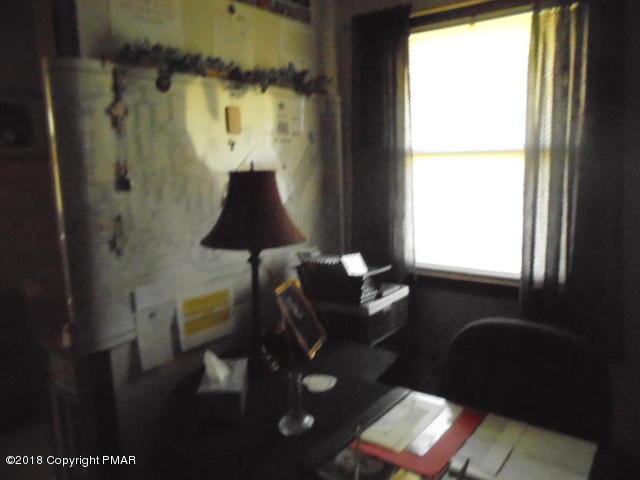 105 Alpine Dr, Kunkletown, PA 18058