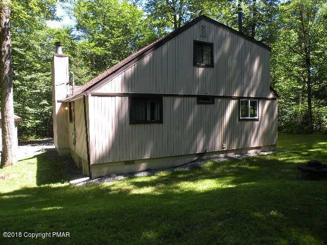 283 Elk Run Rd, Pocono Lake, PA 18347