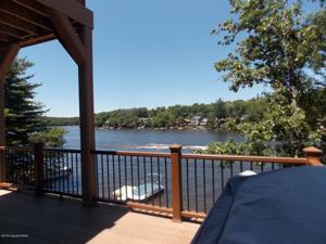 204 S Lake Drive, Lake Harmony, PA 18624