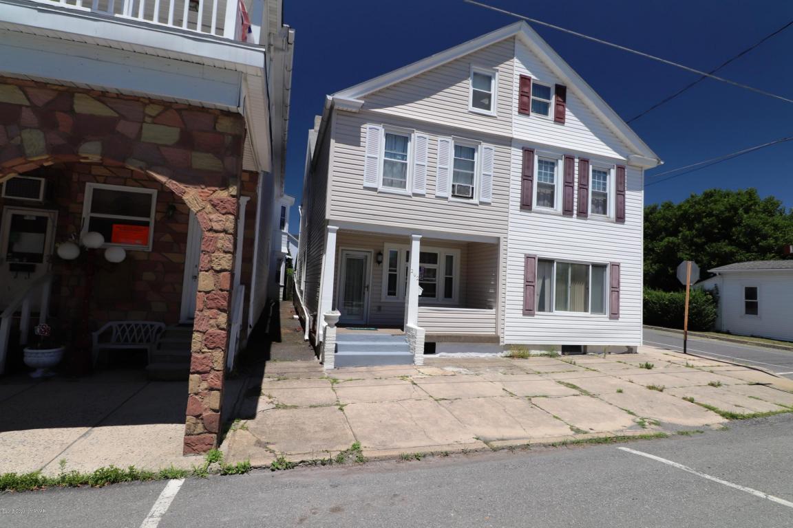 202 W Ludlow St, Summit Hill, PA 18250