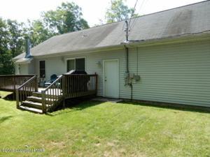 1385 Bear Dr, Bushkill, PA 18324