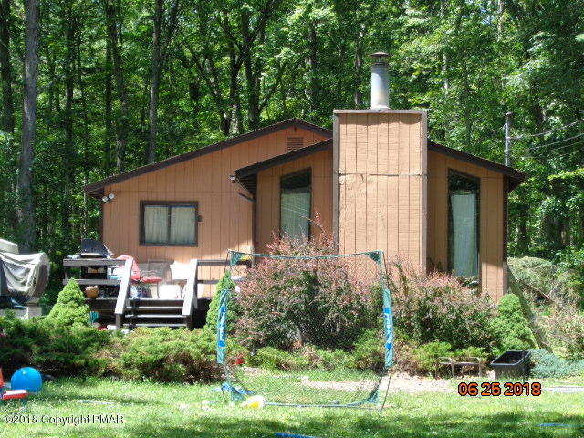 255 Marcel Dr, Dingmans Ferry, PA 18328