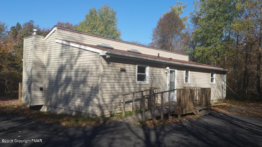 10 Lackawanna Trl, Albrightsville, PA 18210