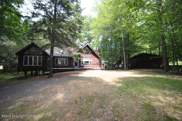 111 Buffalo Trl, Pocono Lake, PA 18347