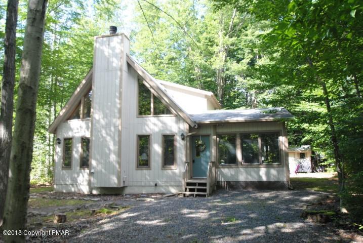 640 Maxatawny Dr, Pocono Lake, PA 18347