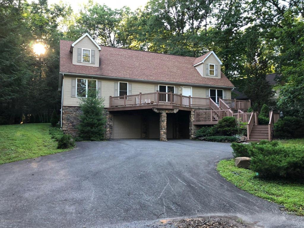 83 Great Oaks Dr, Nesquehoning, PA 18240
