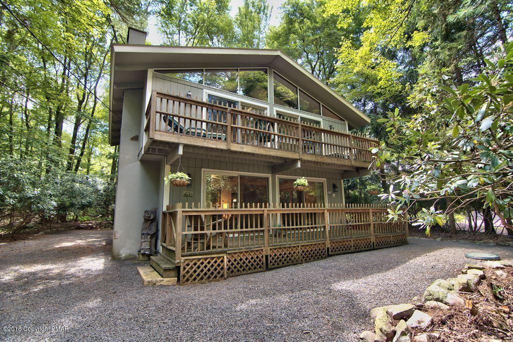 214 Tanglewood Drive, Pocono Pines, PA 18350