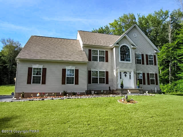 272 Scenic Dr, Blakeslee, PA 18610