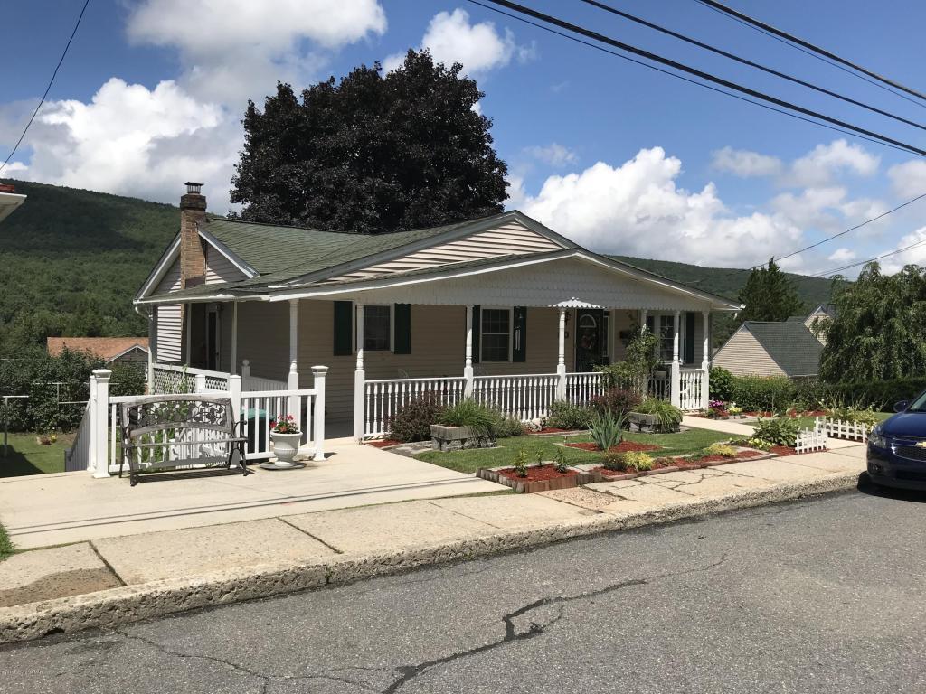 470 E Center St, Nesquehoning, PA 18240