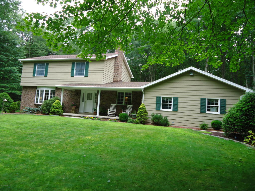 450 Bear Creek Lakes Dr, Jim Thorpe, PA 18229