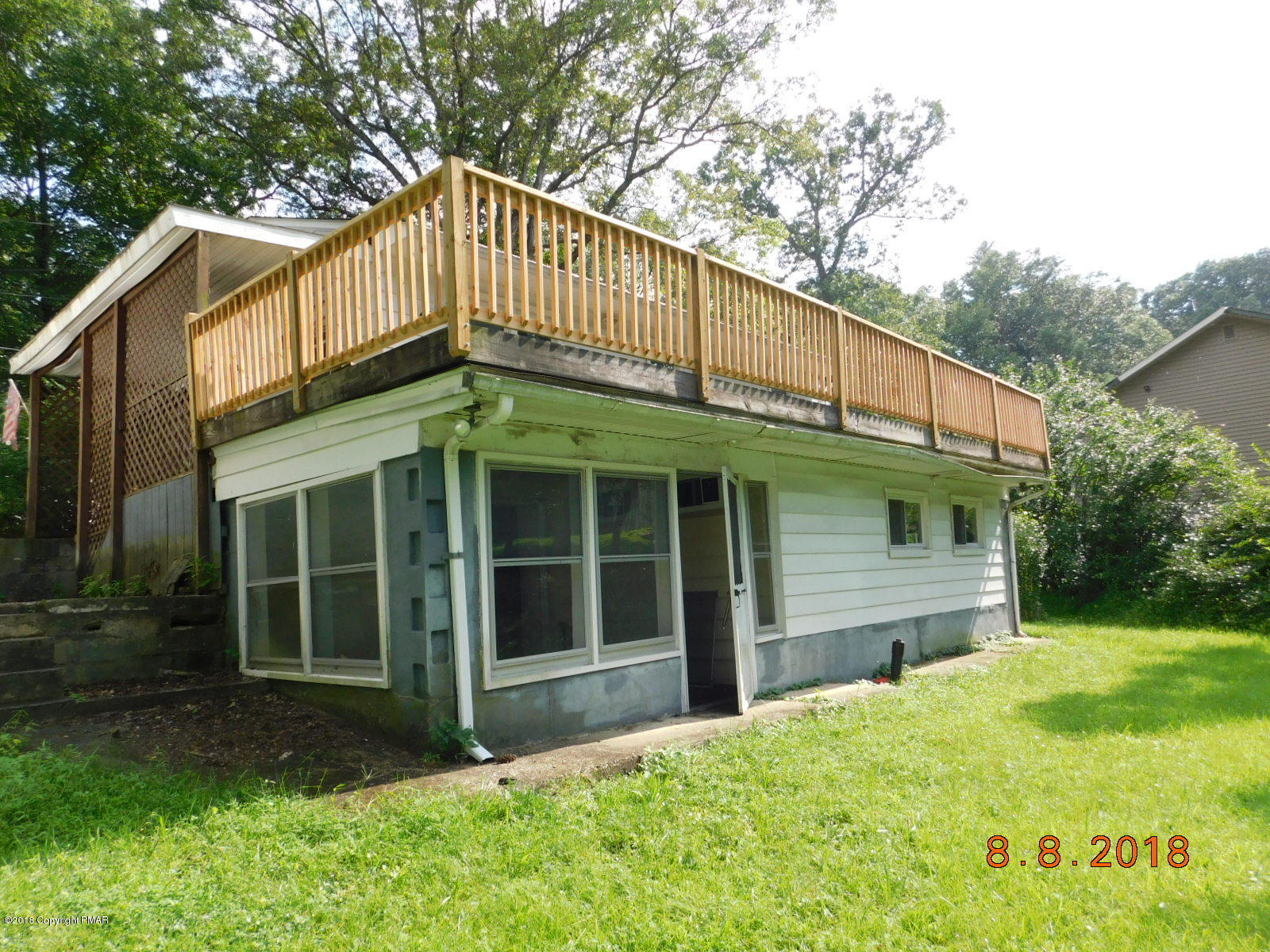 108 Bluebell Dr, East Stroudsburg, PA 18301