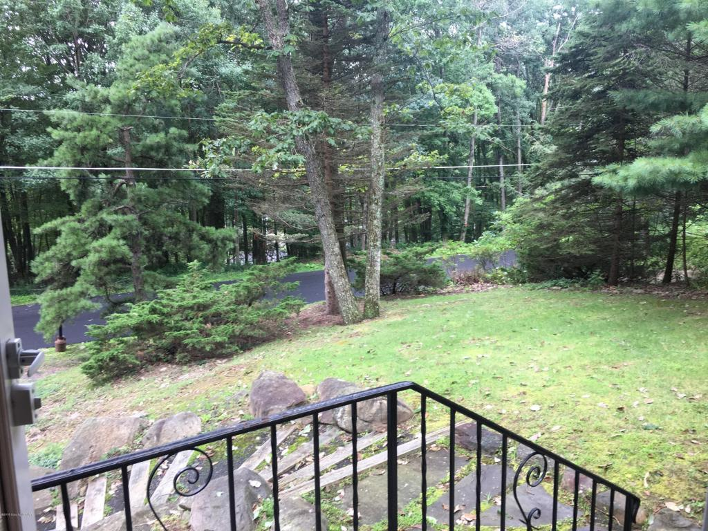 Holly Forest Rd, Mount Pocono, PA 18344