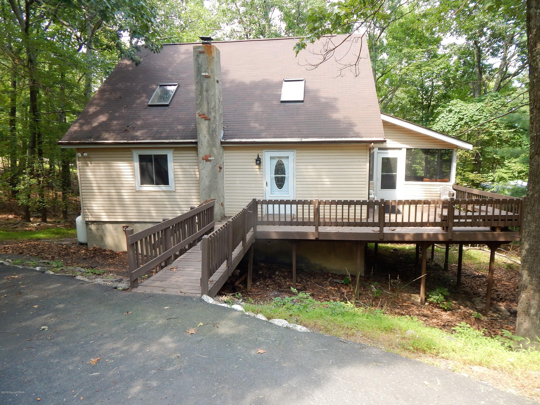 106 Clifton Drive, Bushkill, PA 18324