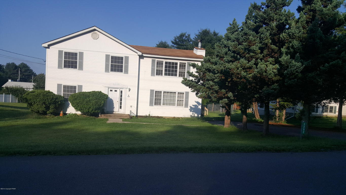 2252 Clearview Dr, East Stroudsburg, PA 18302