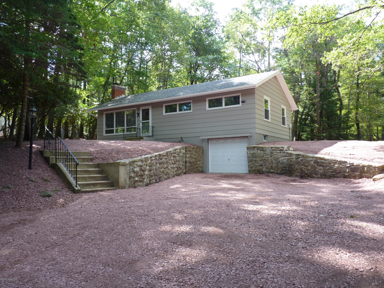 217 S Lake Drive, Lake Harmony, PA 18624