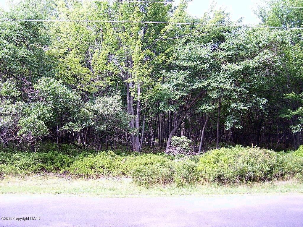 30 Oak Pl, Blakeslee, PA 18610