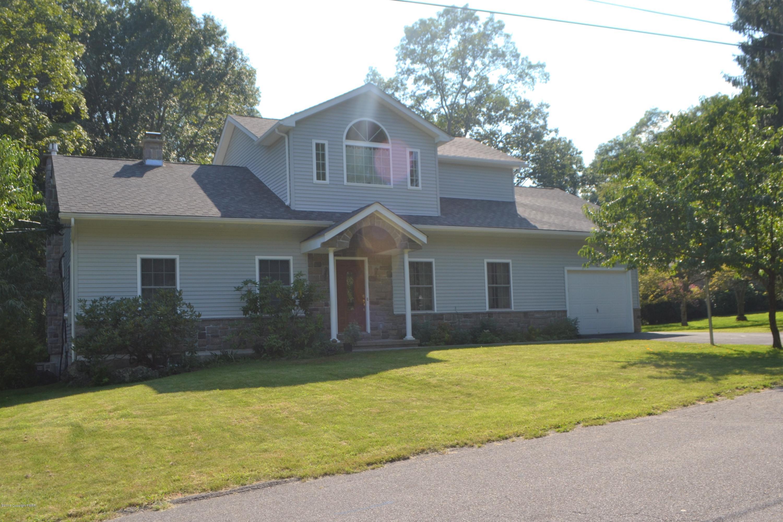 302 Norton Rd, Stroudsburg, PA 18360