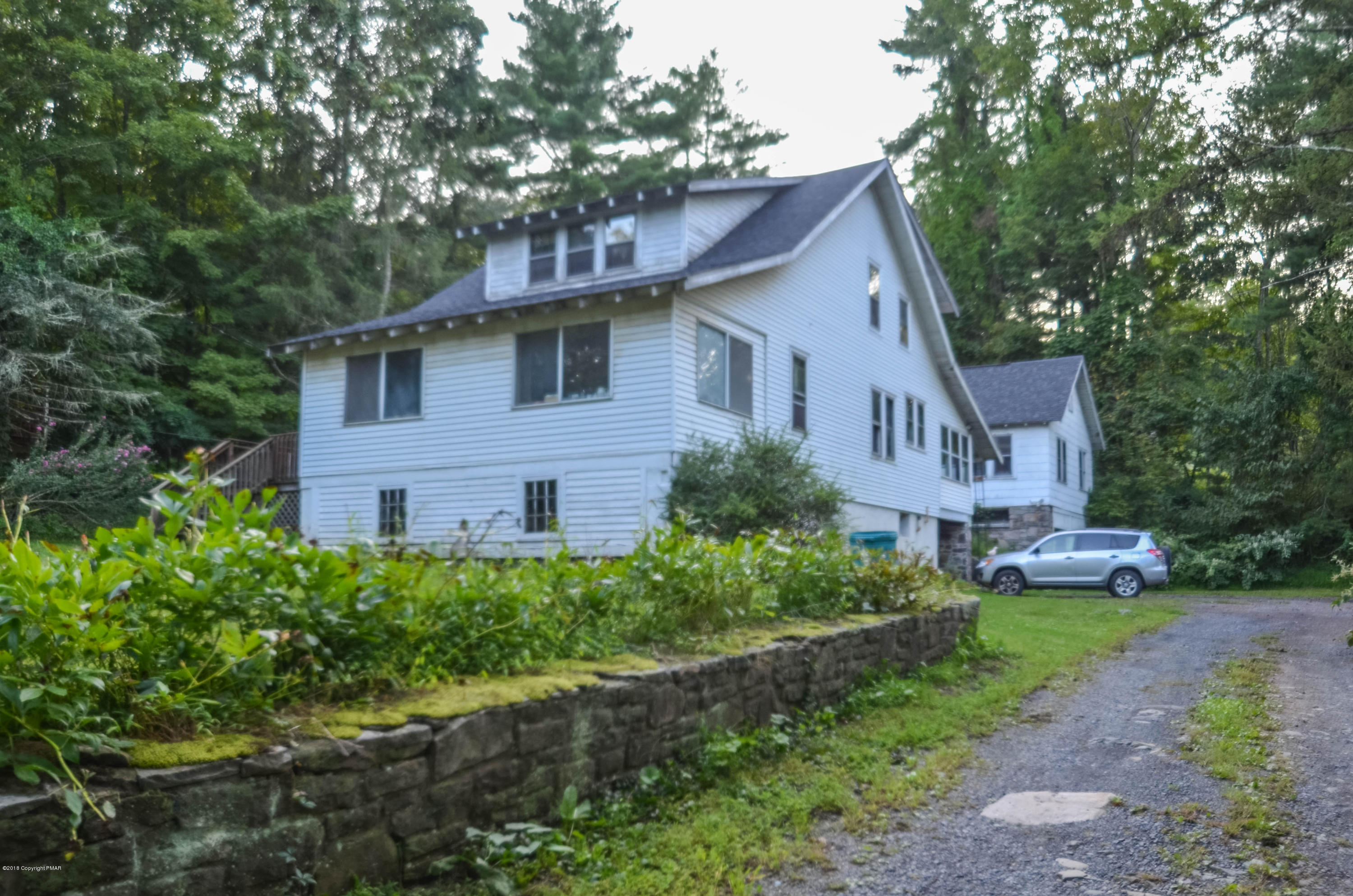 3137 Old Canadensis Hill Rd, Cresco, PA 18326