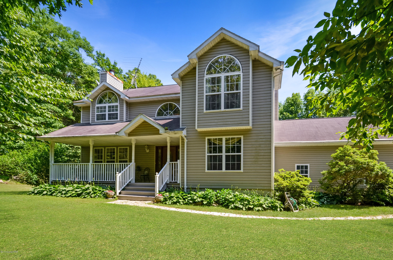 580 Bartonsville Woods Rd, Stroudsburg, PA 18360