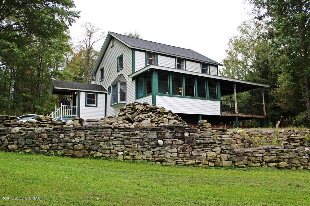 61 Summit Rd, Gouldsboro, PA 18424