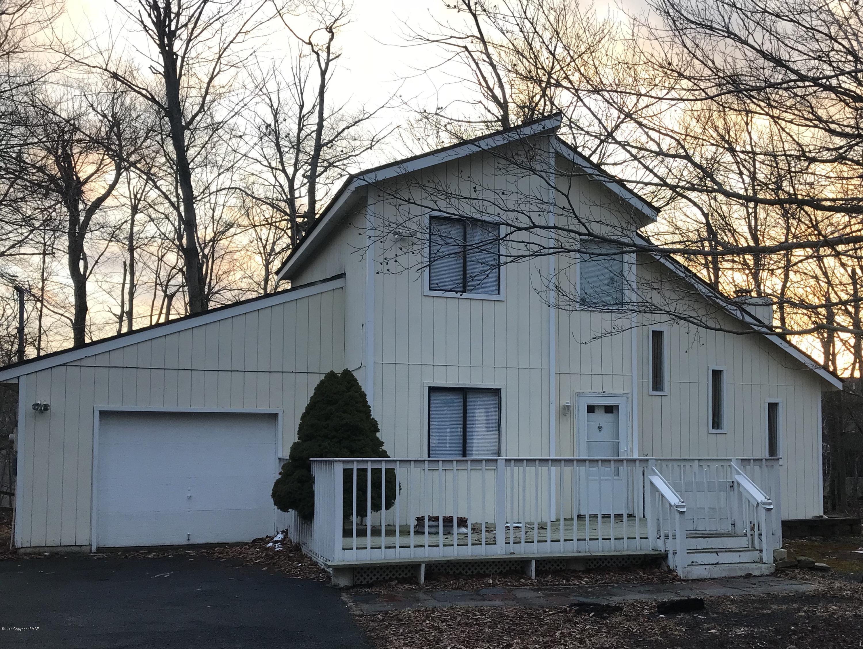 9193 Buttonwood Ct, Tobyhanna, PA 18466