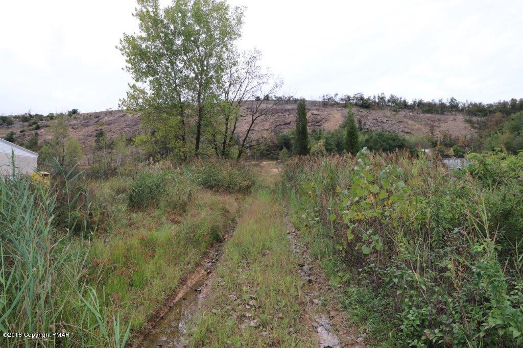 660 Little Gap Rd, Palmerton, PA 18071