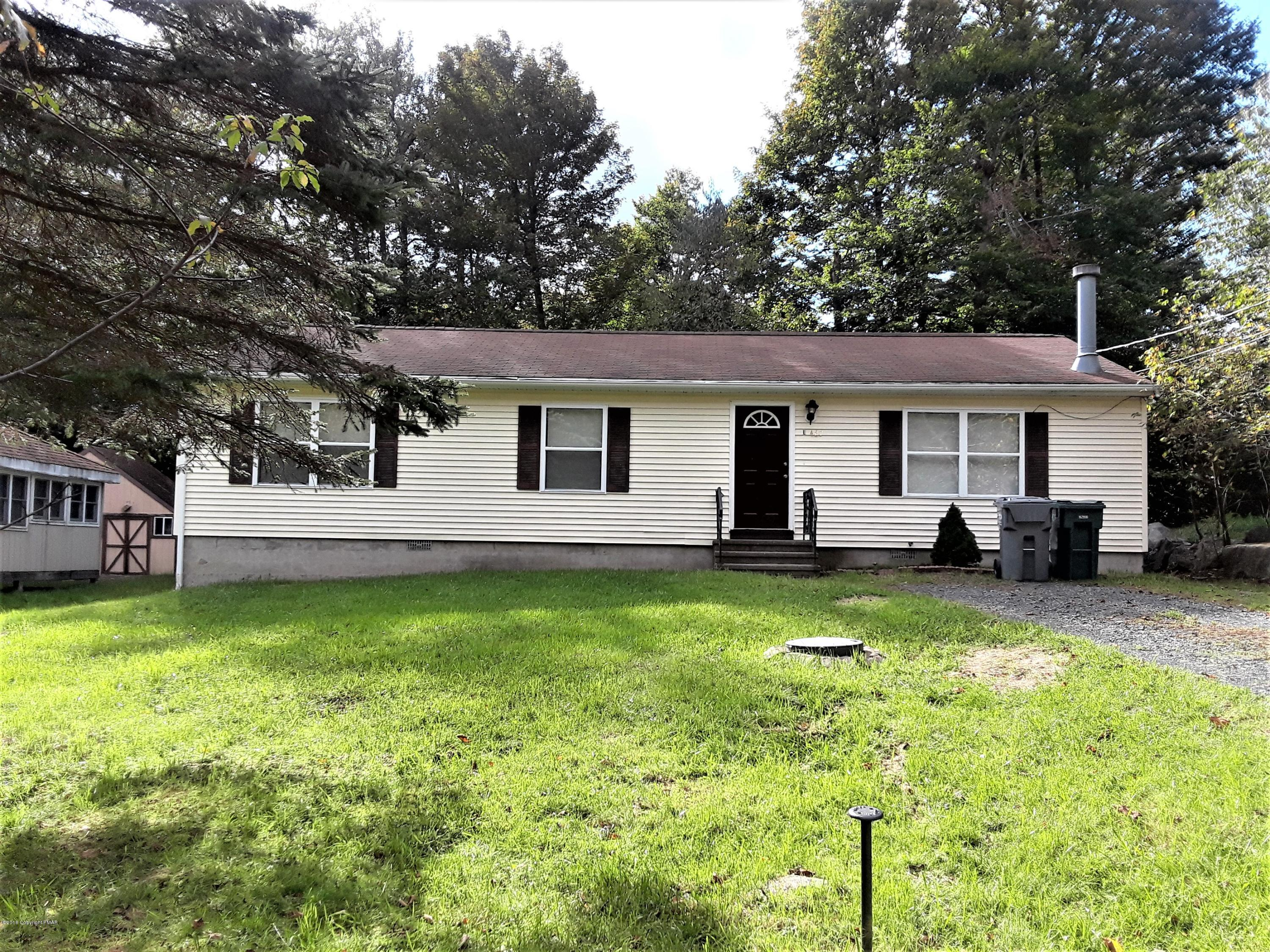 2613 Foxledge Dr, Tobyhanna, PA 18466
