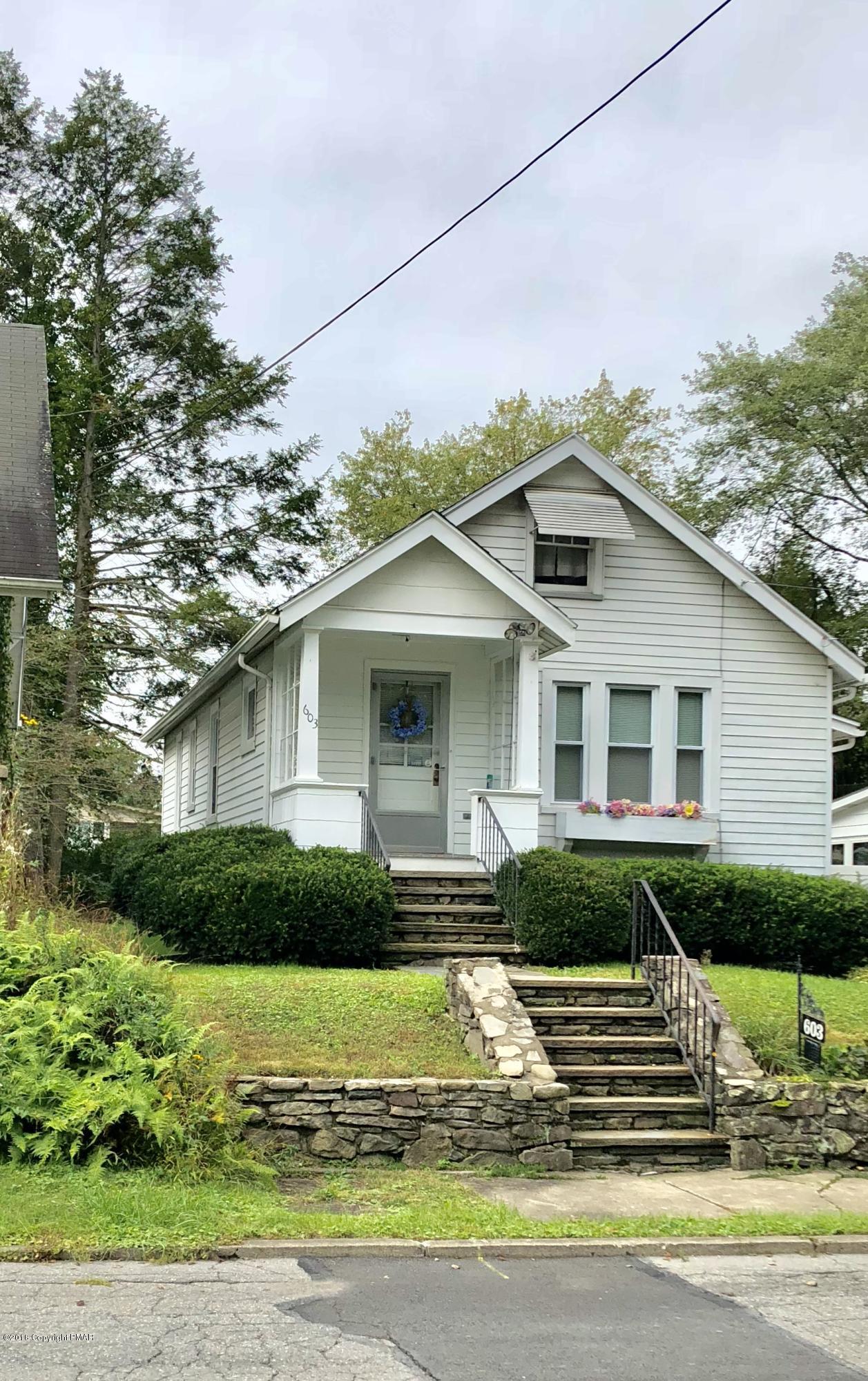 603 Queen St, Stroudsburg, PA 18360