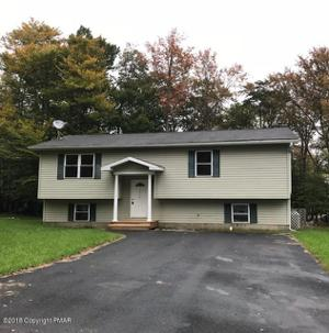 7567 Eagle Rock Dr, Tobyhanna, PA 18466