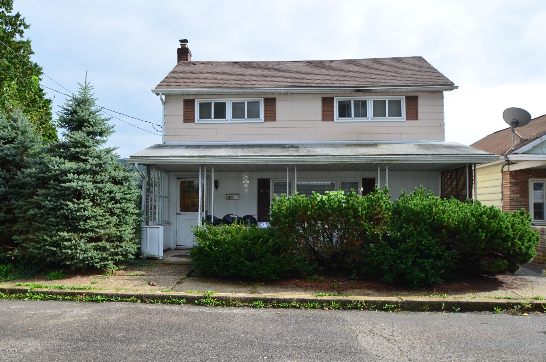 34-36 W Garibaldi Ave, Nesquehoning, PA 18240
