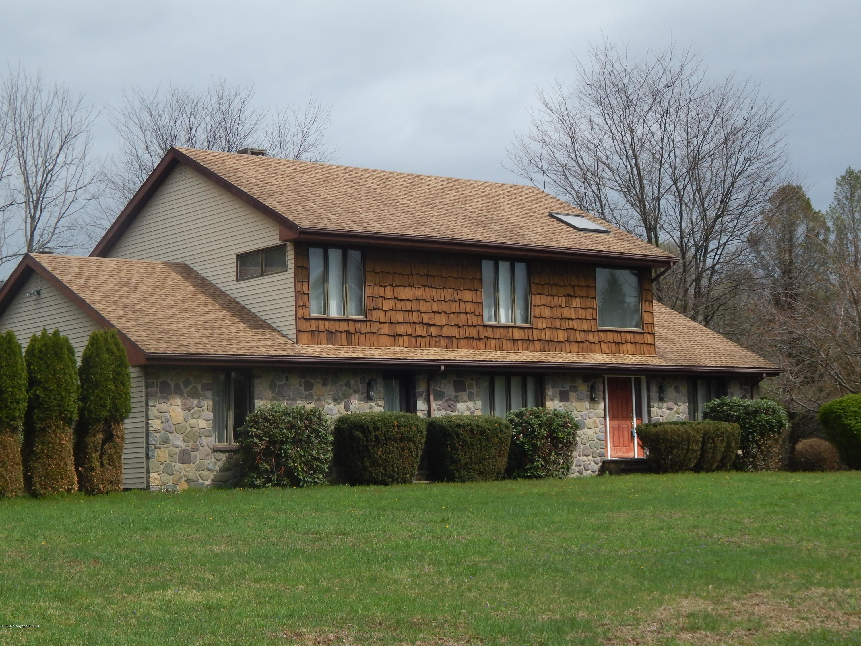 1192 Sandy Valley Rd, White Haven, PA 18661