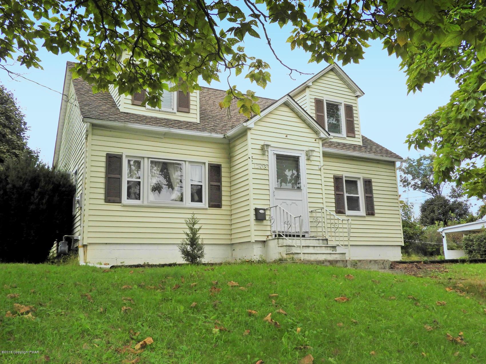 1203 Upper Pennsylvania Ave, Bangor, PA 18013