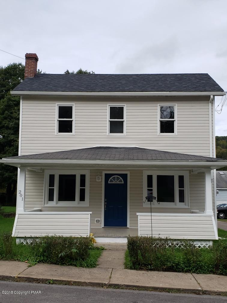 201 W Main St, Weatherly, PA 18255