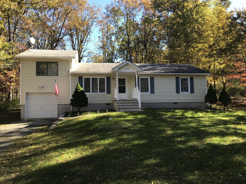 326 Schoolhouse Rd, East Stroudsburg, PA 18302
