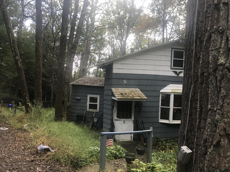 610 Log Fence Rd, Palmerton, PA 18071
