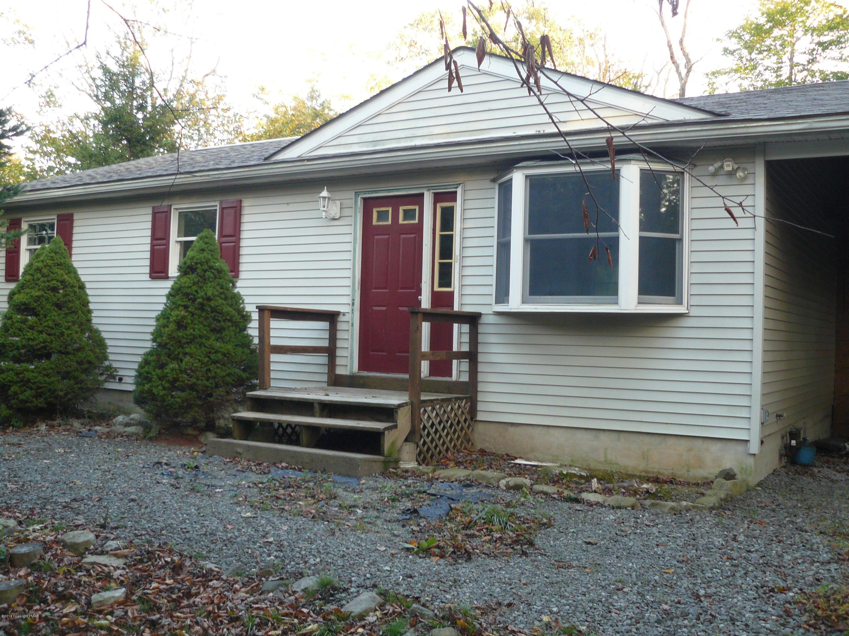 5111 Iroquois St, Tobyhanna, PA 18466
