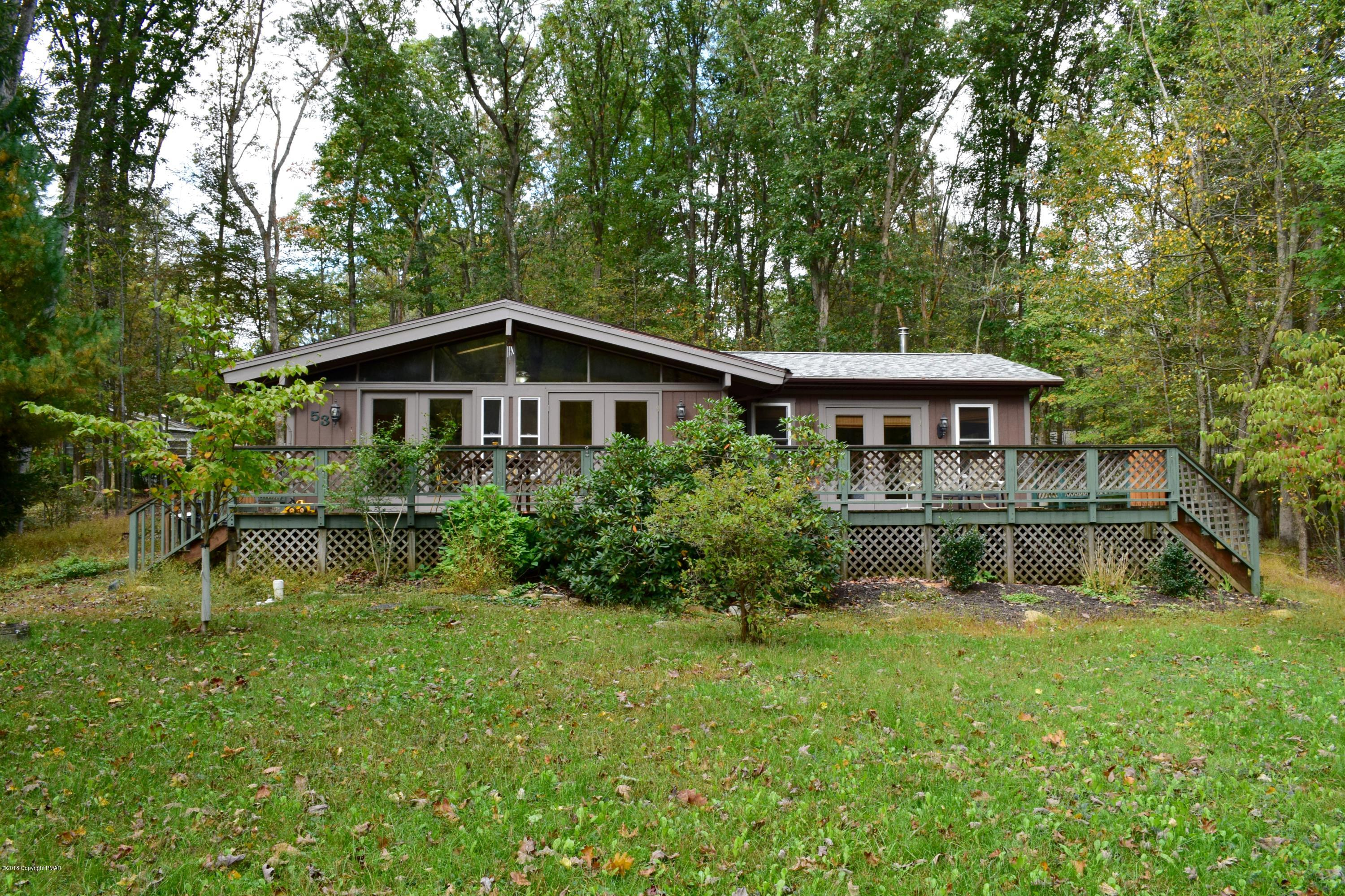 53 Great Oaks Dr, Nesquehoning, PA 18240