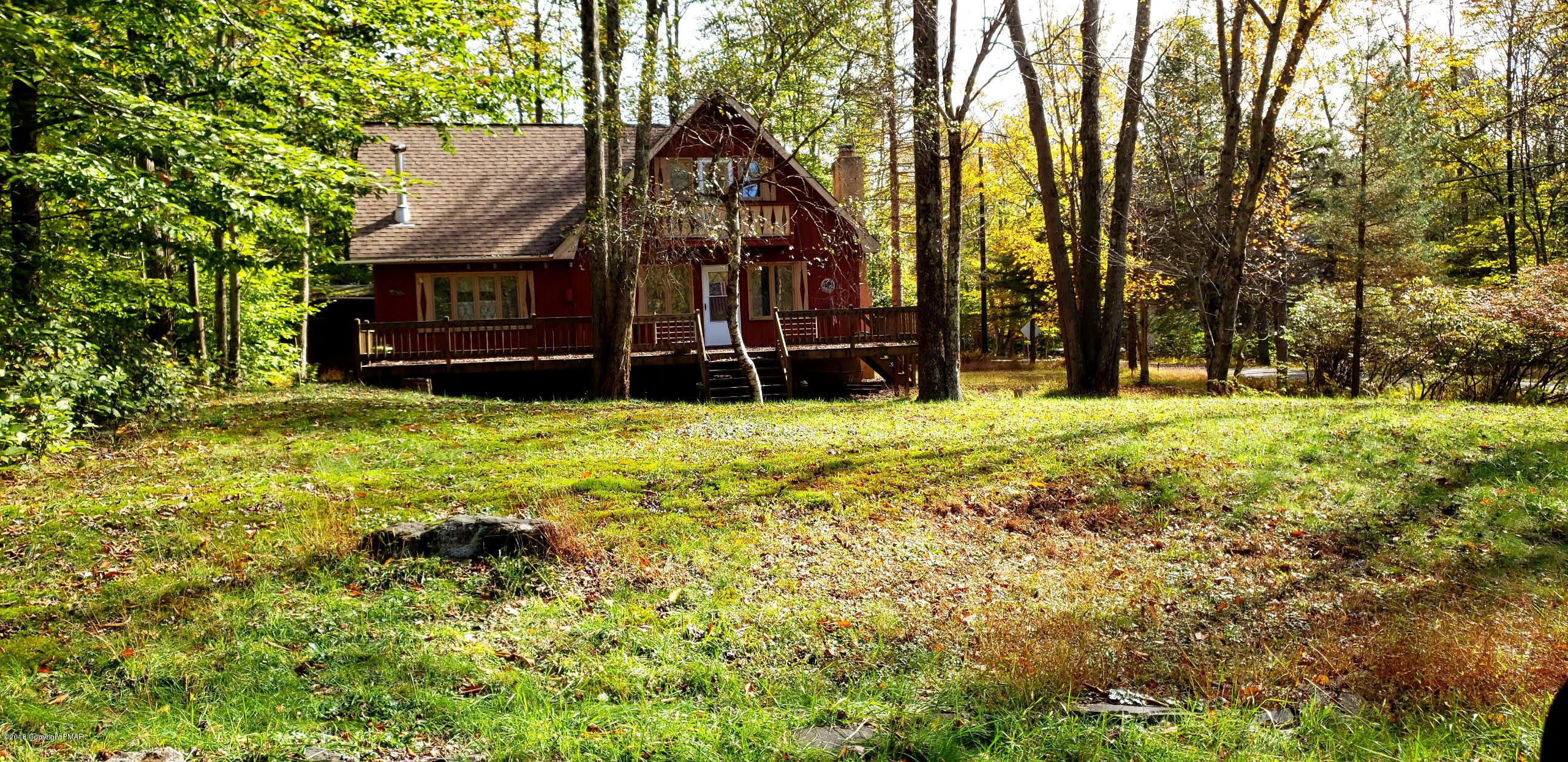 307 Outer Dr, Pocono Lake, PA 18347