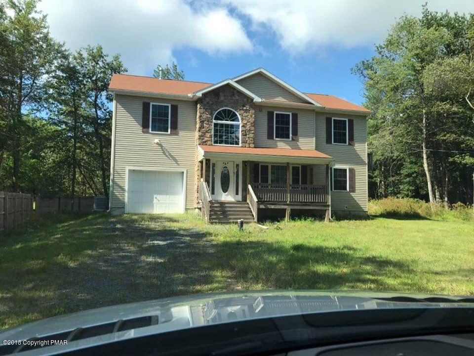 2807 Huckleberry Rd, Long Pond, PA 18334