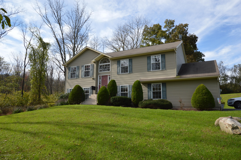2149 Ackermanville Rd, Bangor, PA 18013