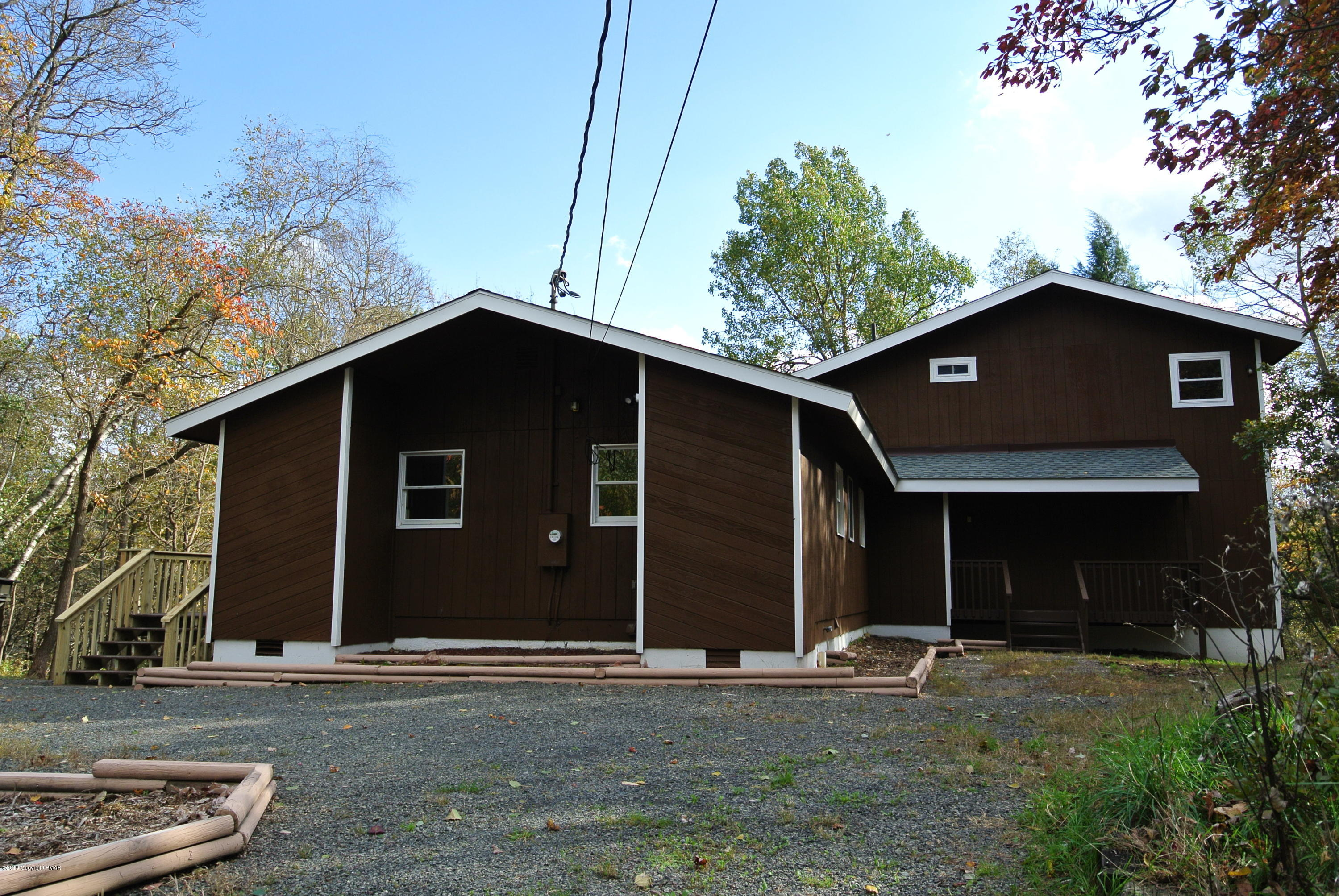 531 Clearview Dr, Long Pond, PA 18334