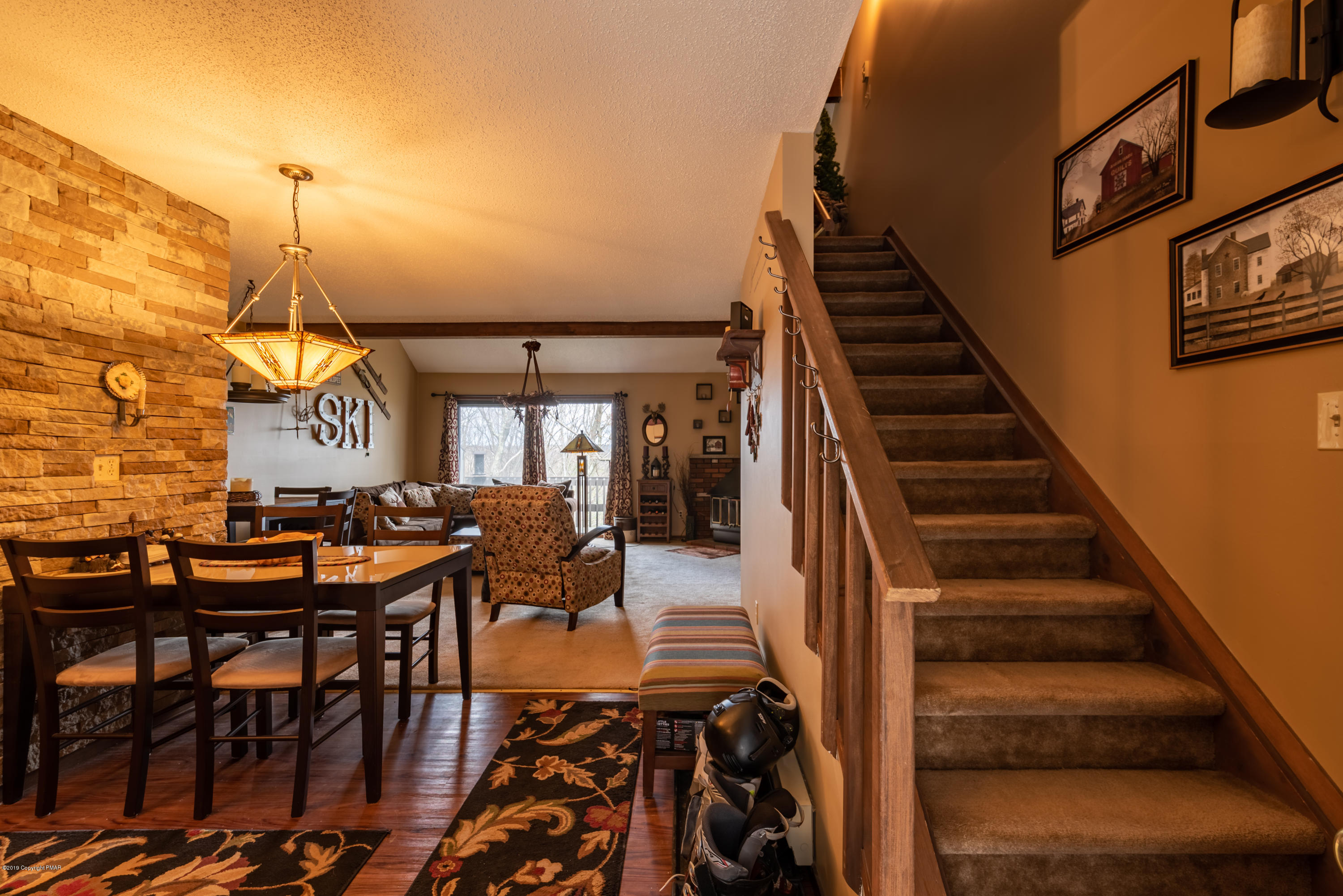 144 Cross Country Ln, Tannersville, PA 18372