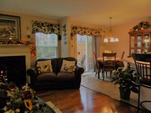 7231 Blushingwood Grv, East Stroudsburg, PA 18301