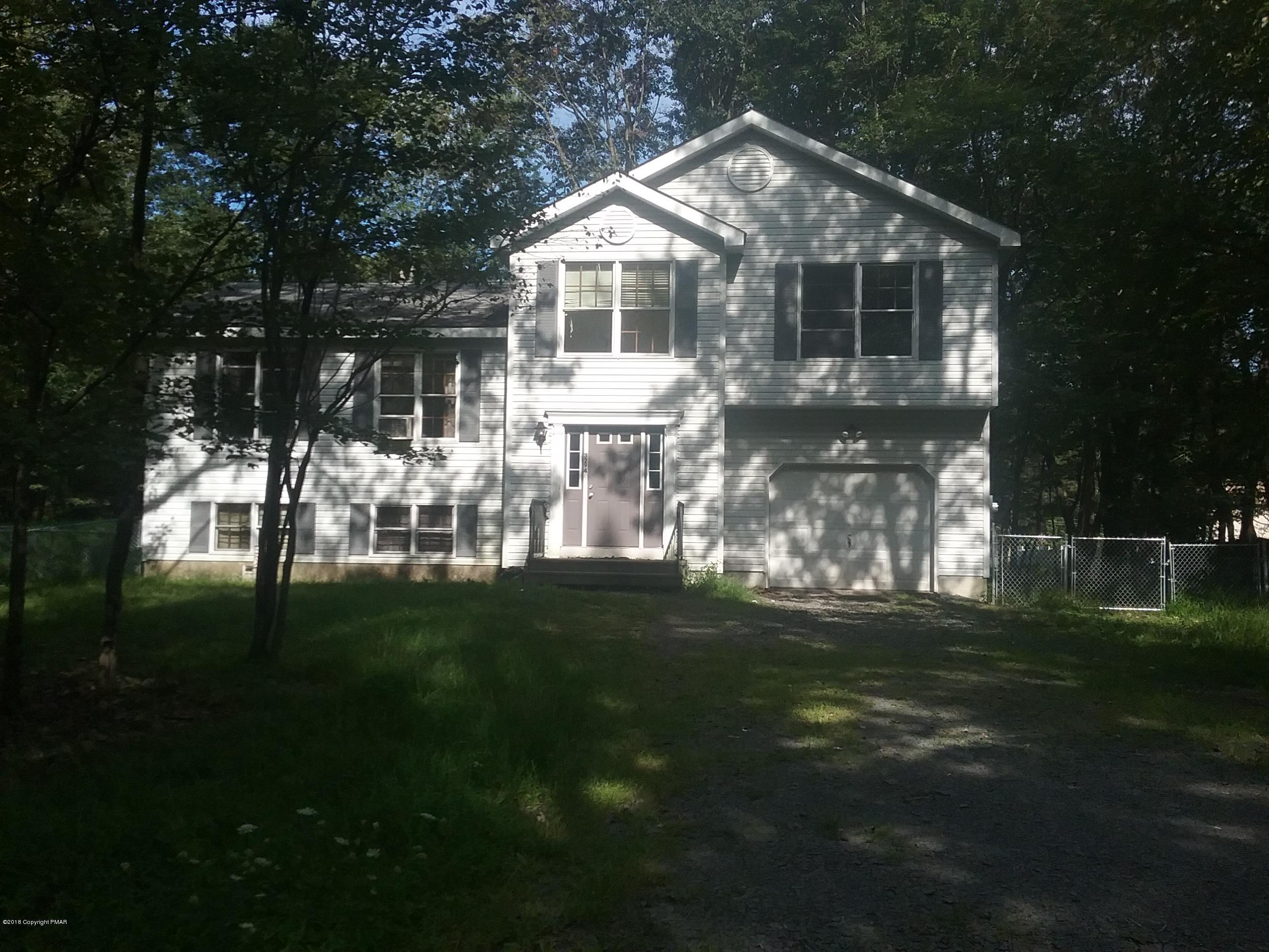 3294 Red Run Rd, Pocono Summit, PA 18466